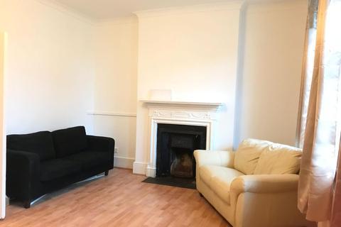 2 bedroom flat to rent - Tottenham Lane, Crouch End N8