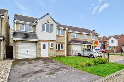 4 bedroom detached house to rent - Bankfoot Close,  Shaw,  SN5