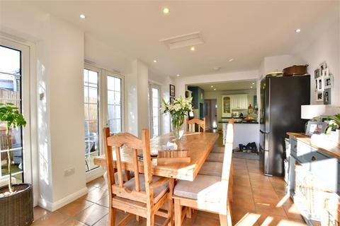 2 bedroom semi-detached house for sale - Mile Oak Road, Paddock Wood, Kent