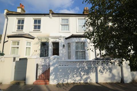 3 bedroom terraced house for sale - Spencer Road, London