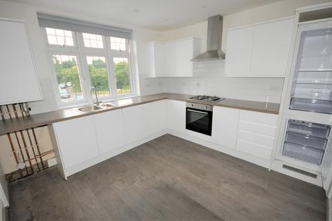 2 bedroom apartment to rent - Hog Hill Road, Romford