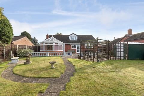4 bedroom detached bungalow for sale - Down Hatherley, Gloucester