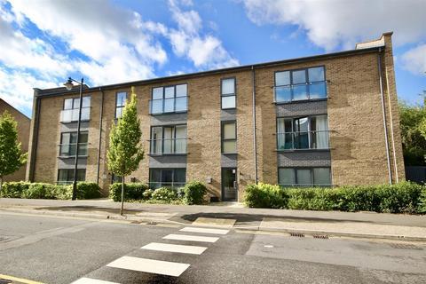 2 bedroom flat for sale - Fire Fly Avenue, Swindon