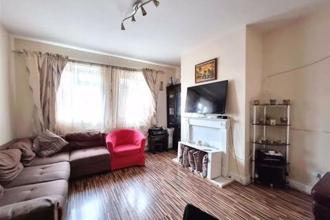 2 bedroom flat for sale - Bushgrove Road, Dagenham, Essex, RM8
