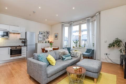 2 bedroom flat for sale - Battersea Rise, Battersea