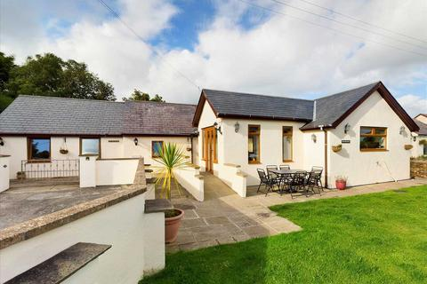 4 bedroom semi-detached bungalow for sale - Penprys Fawr, Carmel, Isle of Anglesey