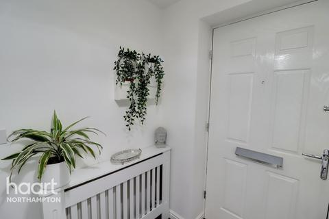 3 bedroom semi-detached house for sale - Mayfly Road, Northampton