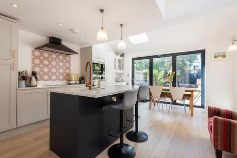 4 bedroom terraced house for sale - Huntspill Street, Earlsfield