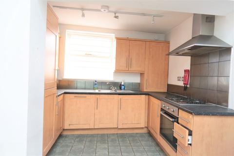 3 bedroom flat to rent - Stoke Newington Road, London