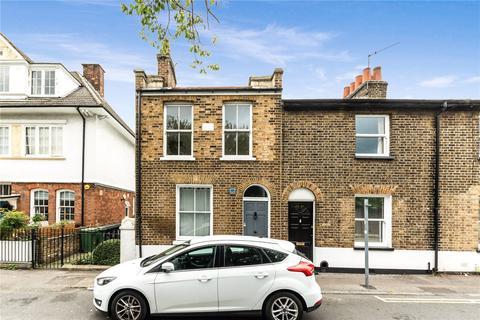 2 bedroom end of terrace house to rent - Watsons Street, London, SE8