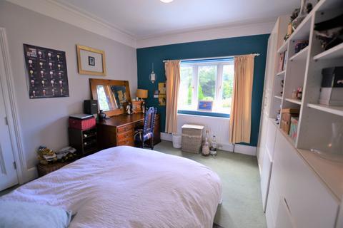 1 bedroom in a flat share to rent - Glebe Avenue, Enfield EN2