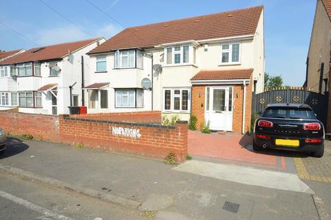 3 bedroom house to rent - Bradley Road, Slough, Berkshire, SL1