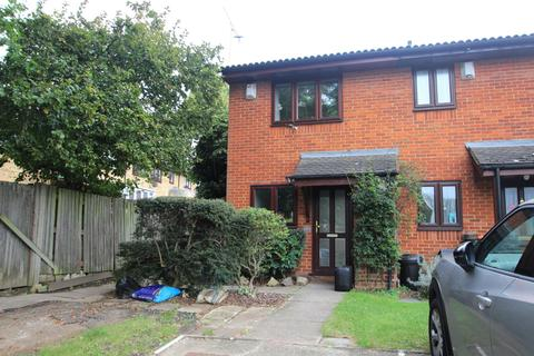 2 bedroom end of terrace house for sale - Buttermere Road, St Pauls Cray, BR5