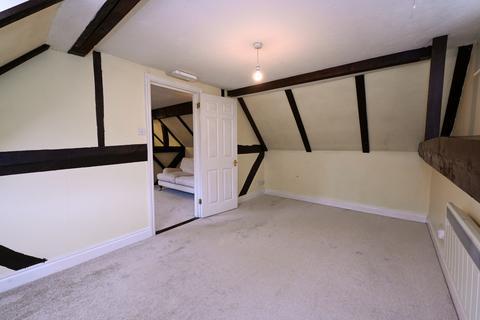 Studio to rent - Hartley Mews, High Street, Hook, RG27
