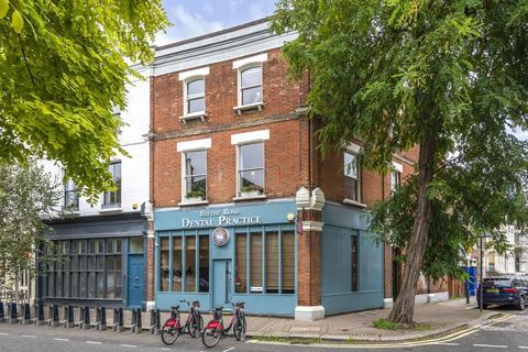 4 bedroom flat for sale - Blythe Road, Brook Green