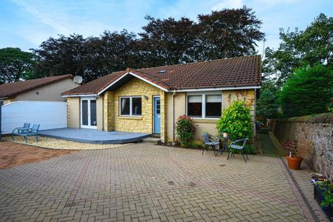 3 bedroom bungalow for sale - Weavers Court, Strathmiglo, KY14
