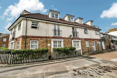 2 bedroom apartment to rent - Ness Road, Southend On Sea