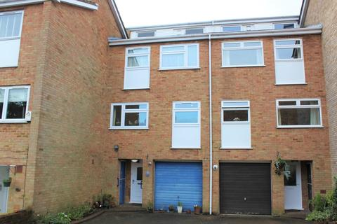 3 bedroom apartment to rent - Glengal Road, Woodford Green