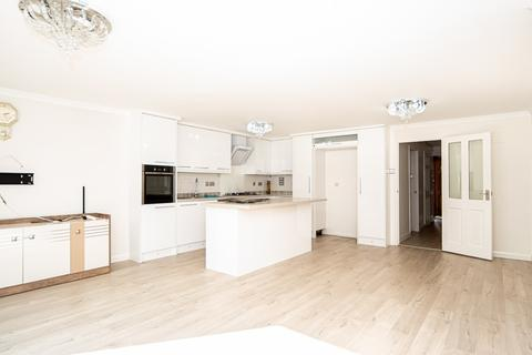 4 bedroom semi-detached house to rent - Montague Road, London, N15