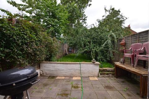 3 bedroom semi-detached house for sale - Cecil Road, Harrow, HA3 5RA