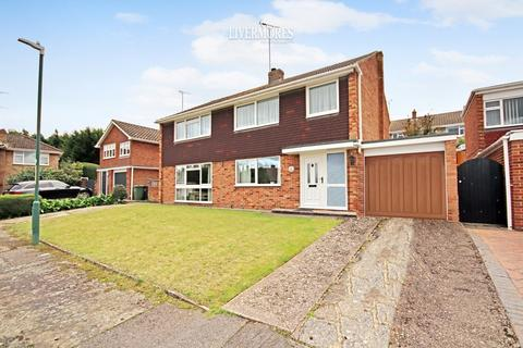 5 bedroom detached house for sale - Cedar Drive, Sutton At Hone, Dartford