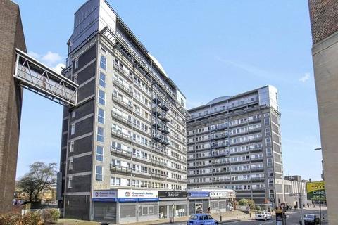 2 bedroom apartment to rent - Calderwood Street, London, SE18