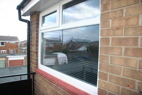 1 bedroom flat to rent - Holystone Avenue, Blyth, NE24 4QZ