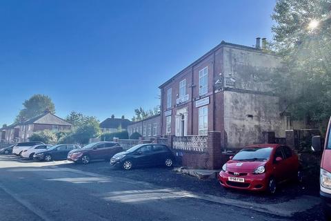 Property to rent - Northfield Street, Deane, Bolton, Lancashire.