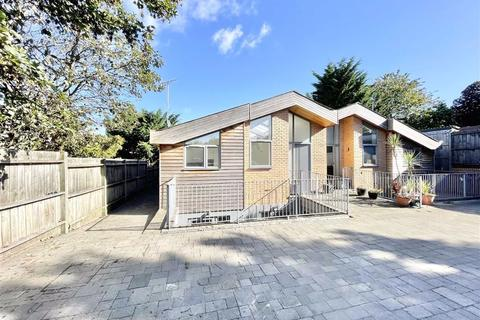 3 bedroom semi-detached house to rent - Bell Brook Rise, London