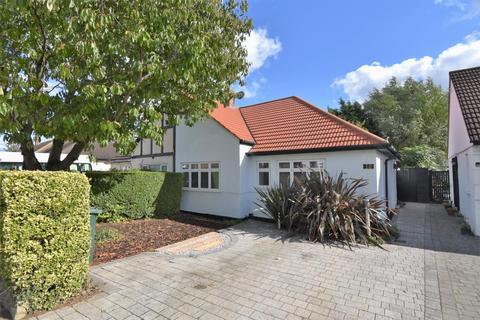 2 bedroom semi-detached bungalow for sale - The Vale, Ruislip, HA4