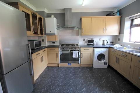 6 bedroom semi-detached house to rent - *£115PPPW* Harlaxton Drive, Lenton, NG7 1JD