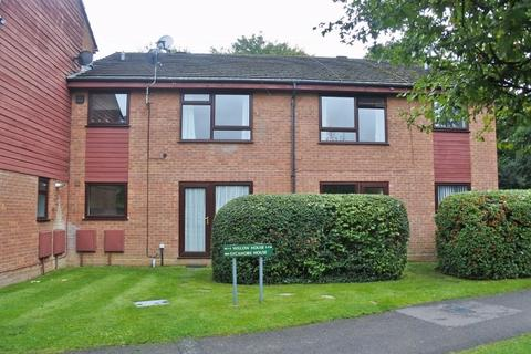 2 bedroom flat to rent - WILLOW HOUSE, CHINEHAM