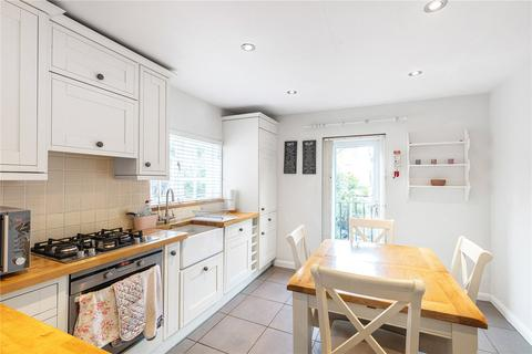 3 bedroom apartment to rent - Cranbury Road, Fulham, London, SW6