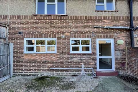 2 bedroom terraced house to rent - 62 Mottingham Road, London, N9