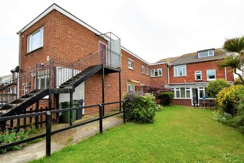 Studio to rent - Sandown Road, Sandown PO36
