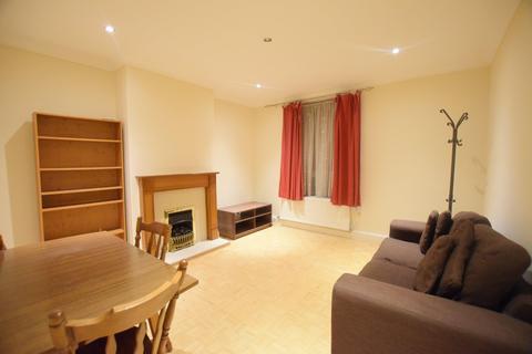 2 bedroom flat to rent - Dorset Road, London SW8