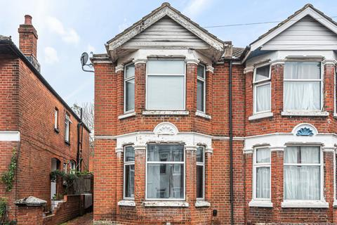 4 bedroom semi-detached house for sale - Newcombe Road, Polygon, Southampton, SO15