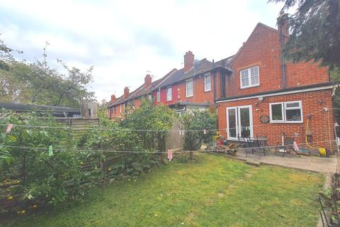 4 bedroom semi-detached house for sale - Risley Avenue, Tottenham, N17