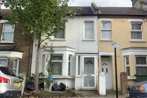 2 bedroom terraced house for sale - 32 Barth Road, Plumstead, London, SE18 1SH