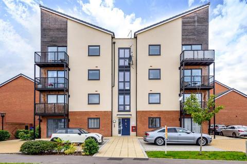 2 bedroom flat for sale - Putman Street,  Aylesbury,  HP19