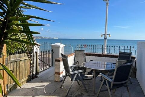 2 bedroom terraced house for sale - BEACHFRONT, TWO BEDROOM TERRACE PROPERTY with BEACH on doorstep.