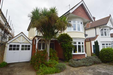 4 bedroom detached house for sale - The Broadway, Thorpe Bay, SS1