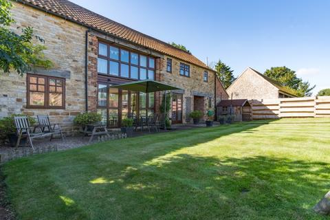 4 bedroom barn conversion to rent - Church Farm, Stroxton, NG33