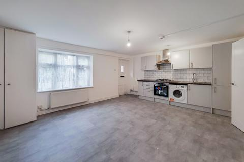 1 bedroom flat to rent - Woodhill, Woolwich, London, SE18