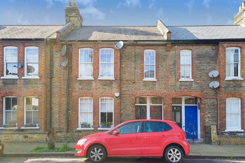 2 bedroom maisonette for sale - Gambetta Street, London