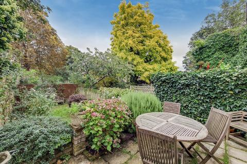 4 bedroom end of terrace house for sale - Turret Grove, London