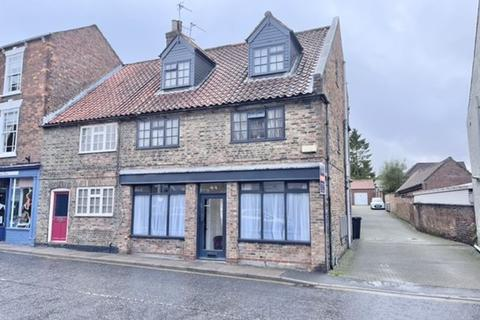 2 bedroom ground floor flat to rent - UPGATE, LOUTH