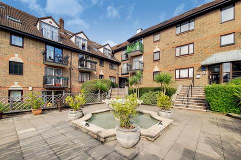 3 bedroom apartment to rent - French Apartments, Lansdowne Road, Purley