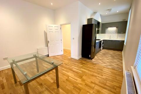 2 bedroom ground floor flat to rent - Wimborne Road, Bournemouth,
