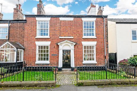 3 bedroom end of terrace house for sale - Runcorn Road, Moore, Warrington